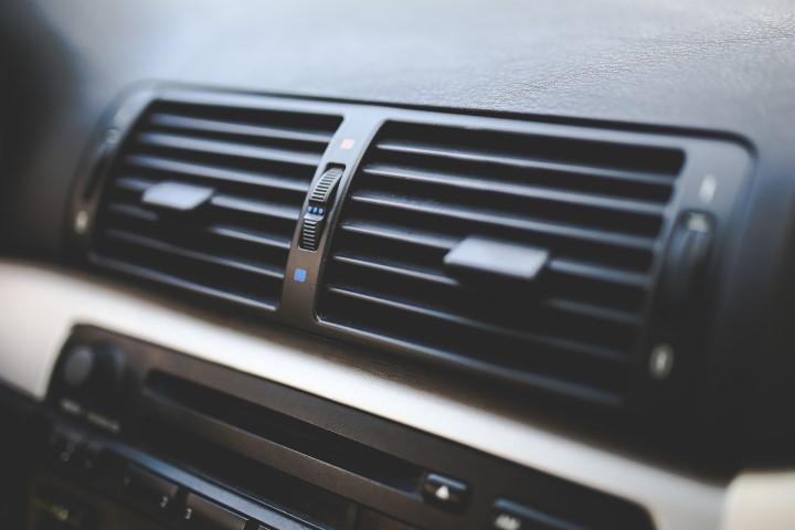 Auton ilmastointihuolto Järvenpään Varaosakeskus